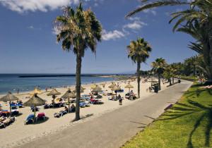14-Playa-de-El-Camison-300x210