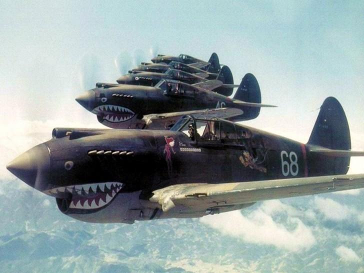 Aerei-militari-Curtiss-P40-728x546