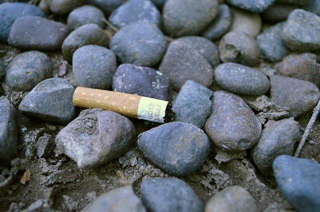 cigarette-981741_640